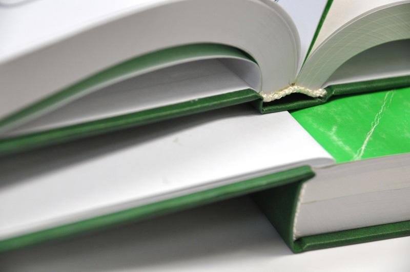 Твердый переплет Ай Копи книги печать книг изготовление книг  Твердый переплет